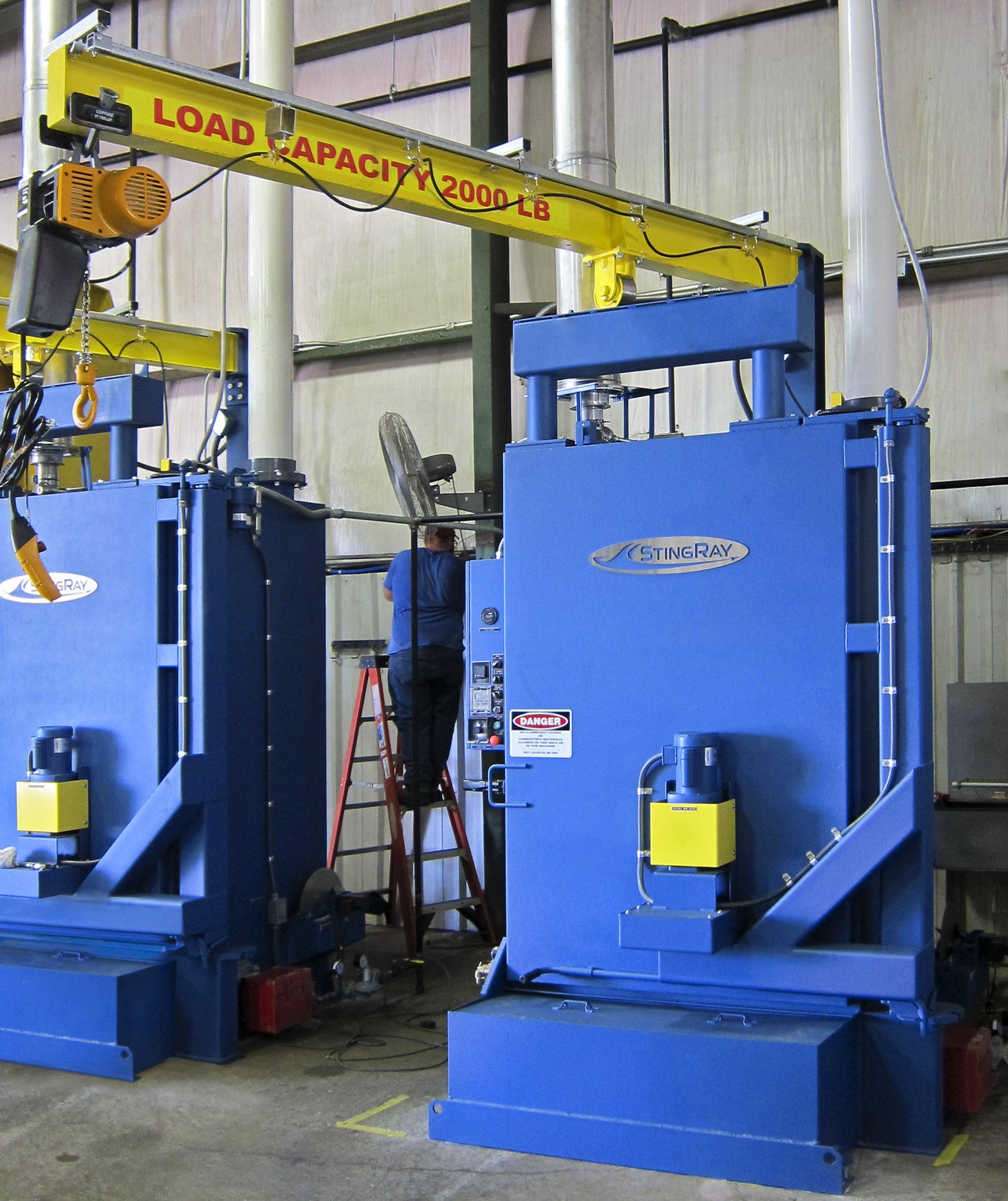 jib-boom-for-StingRay-Parts-Washer-provides-easy-lifting-capacity-at-the-machine